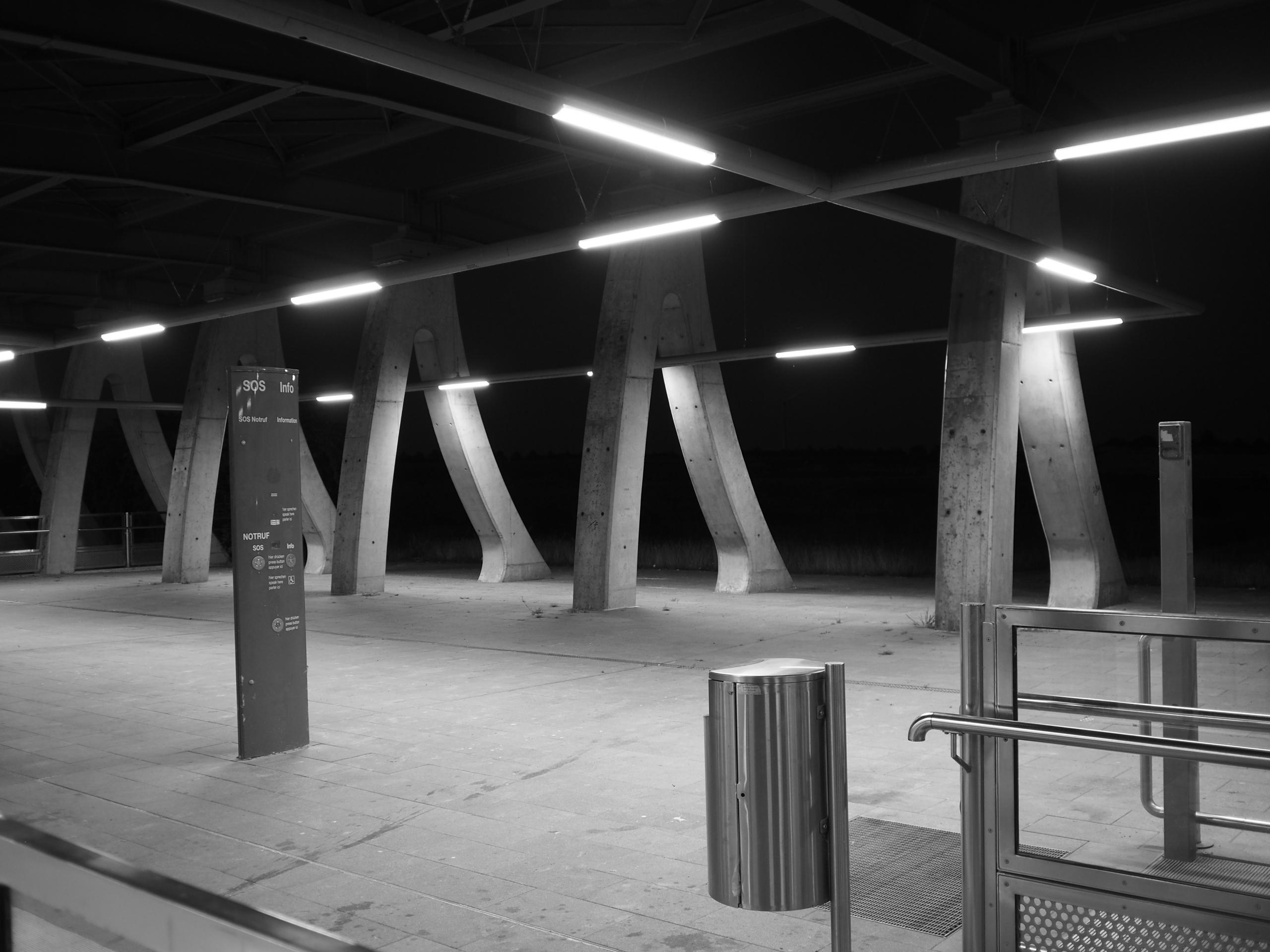 Streetfotografie Hannover Bahnhof Messe